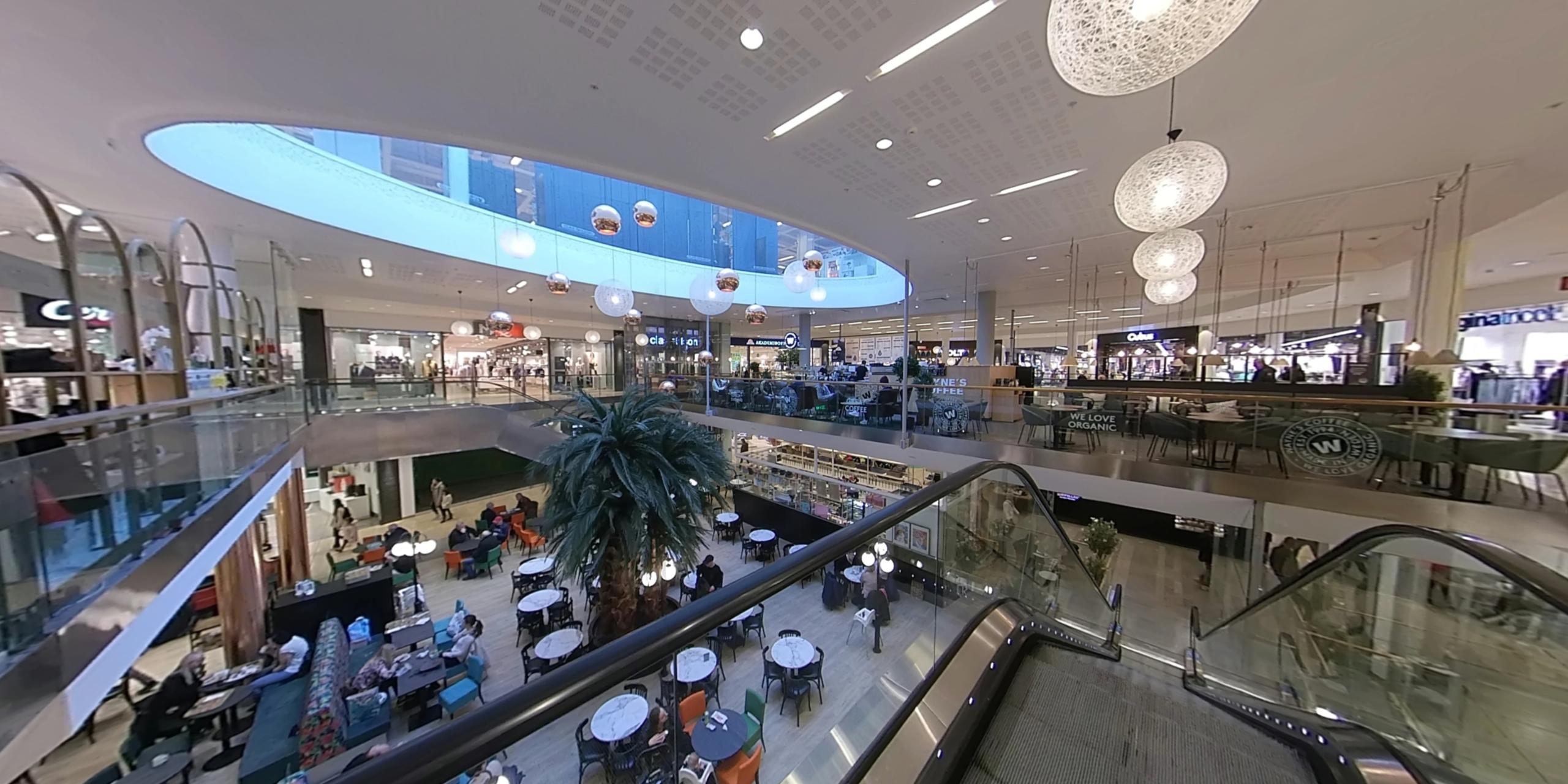 Mitt i City shopping center virtual tour
